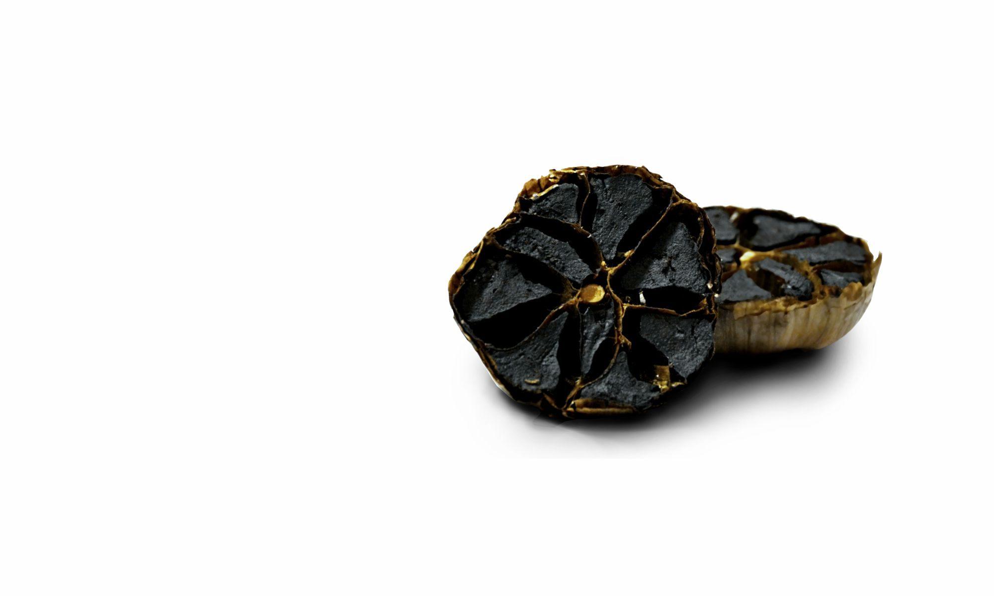 Český černý česnek